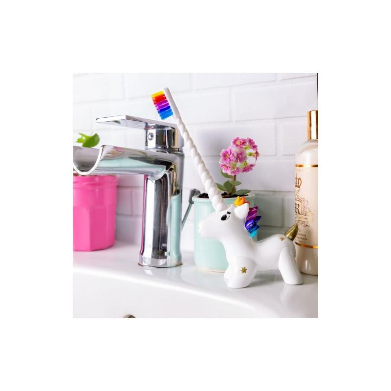 Porte brosse à dents + brosse à dents