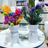 Trop mignons nos vases avec les fleurs séchées 💐@loliblumen ❤️❤️❤️
